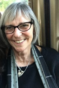 Julia Leonard